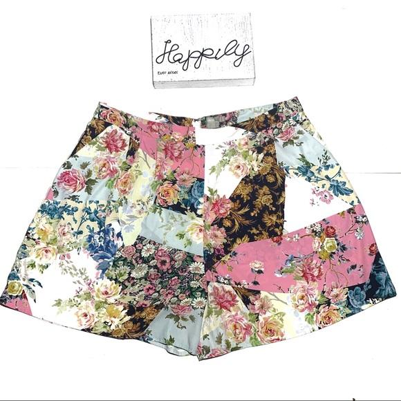 ASOS Pants - ASOS Mixed Floral High Waisted Shorts Sz 18